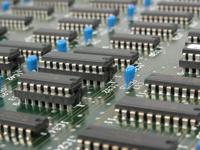 Některé hostingové společnosti poskytují slevové kupony na své služby